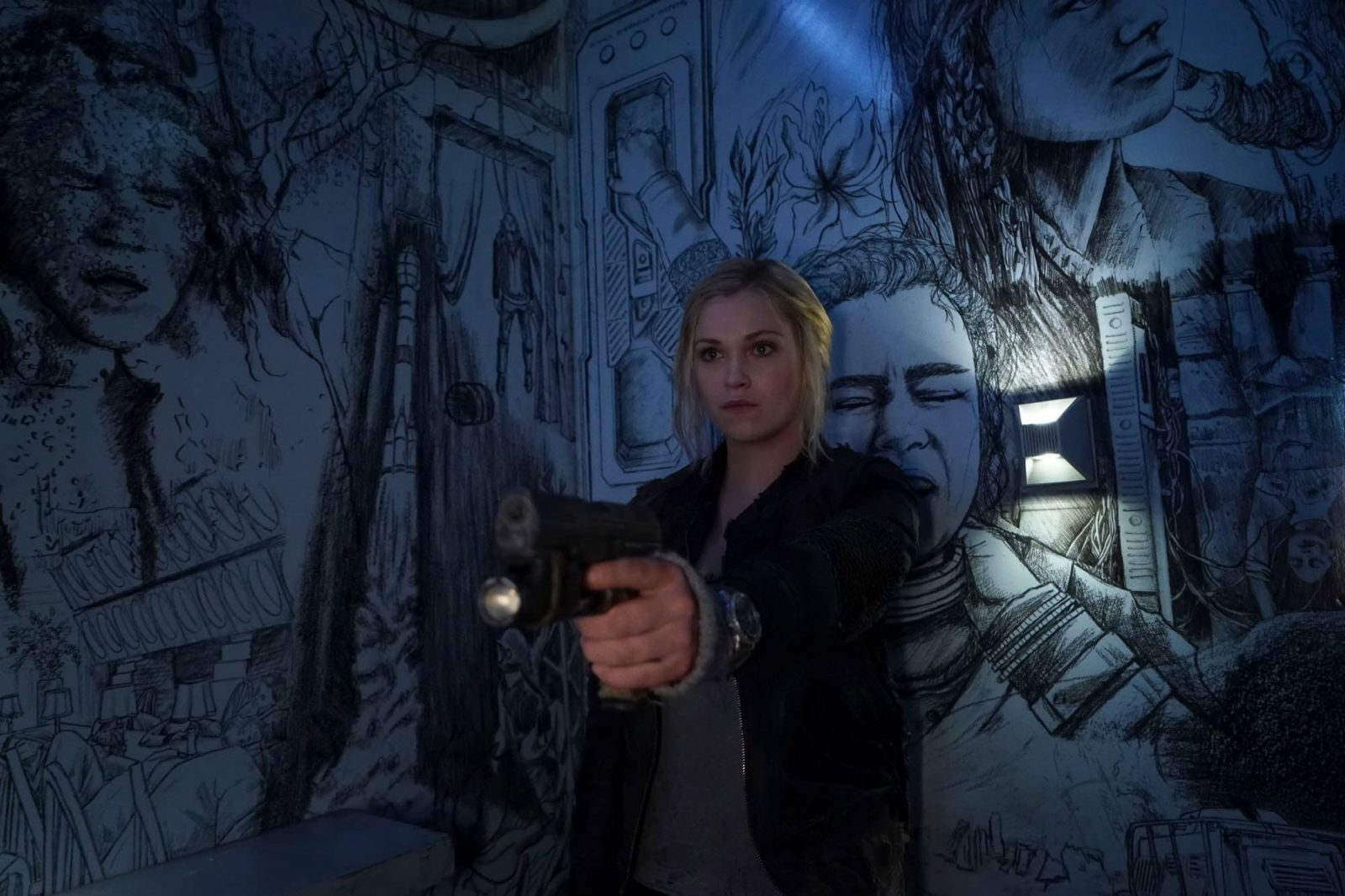 Eliza Taylor como Clarke en The 100 Temporada 6 Capitulo 8 The Old Man and the Anomaly