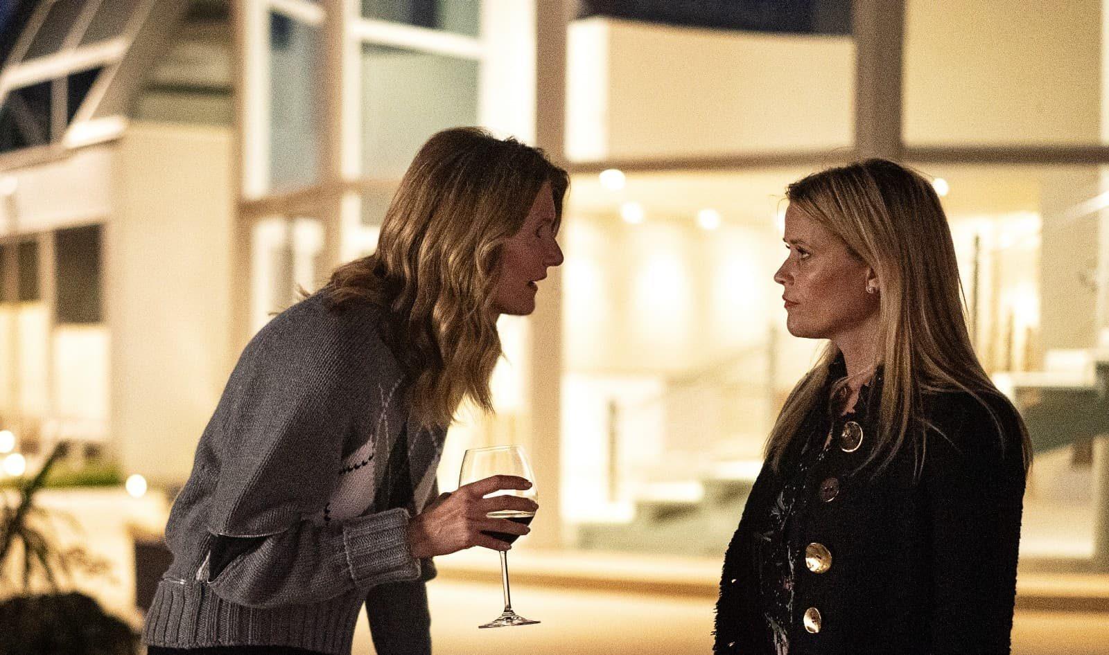 Laura Dern como Renata Klein y Reese Witherspoon como Madeline Mackenzie en BLL 2x06