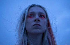 Jules (Hunter Schafer) en Euphoria 1x07