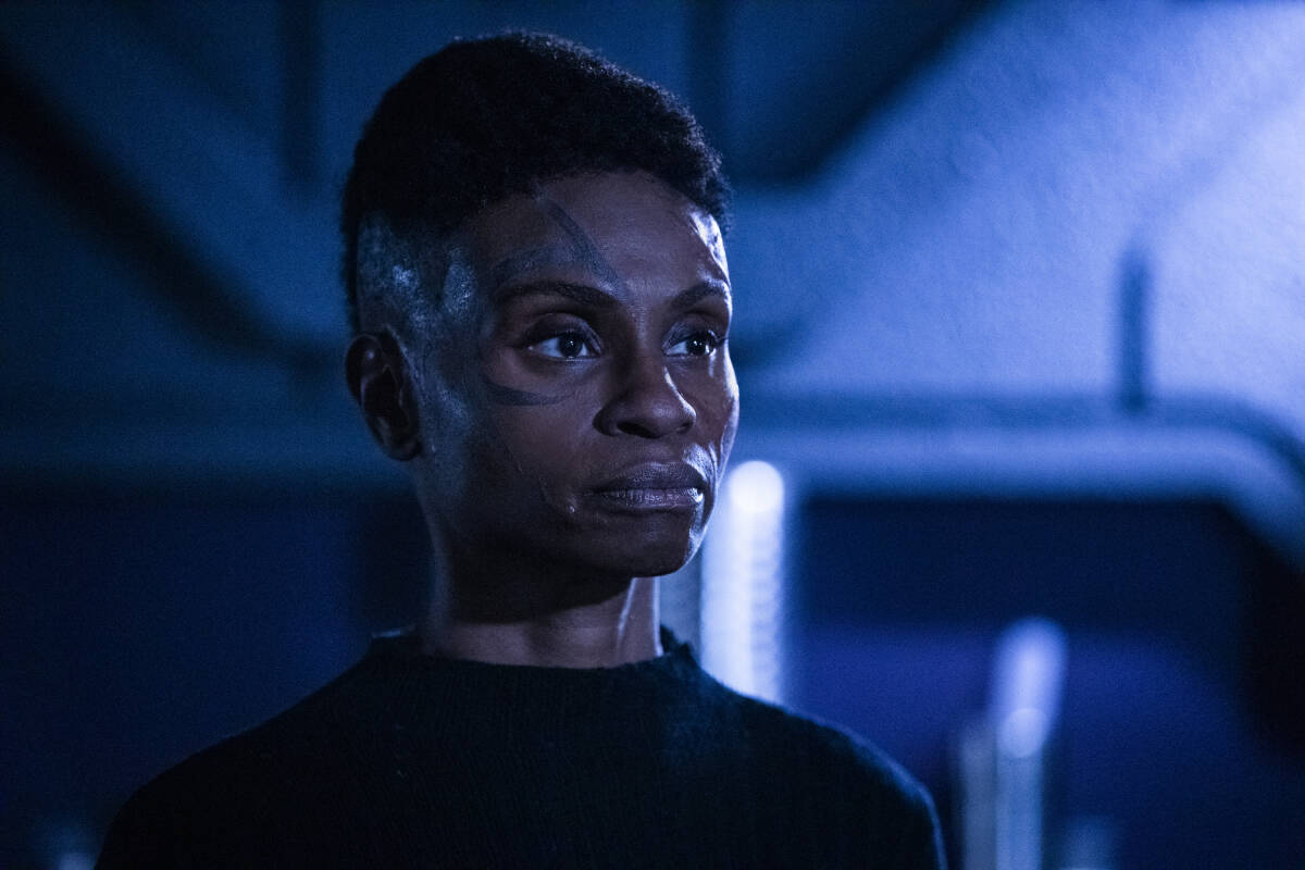 Adina Porter como Indra en The 100 Temporada 6 Capitulo 9