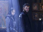 Luisa D'Oliveira como Emori y Richard Harmon como Murphy en The 100 6.10 Matryoshka