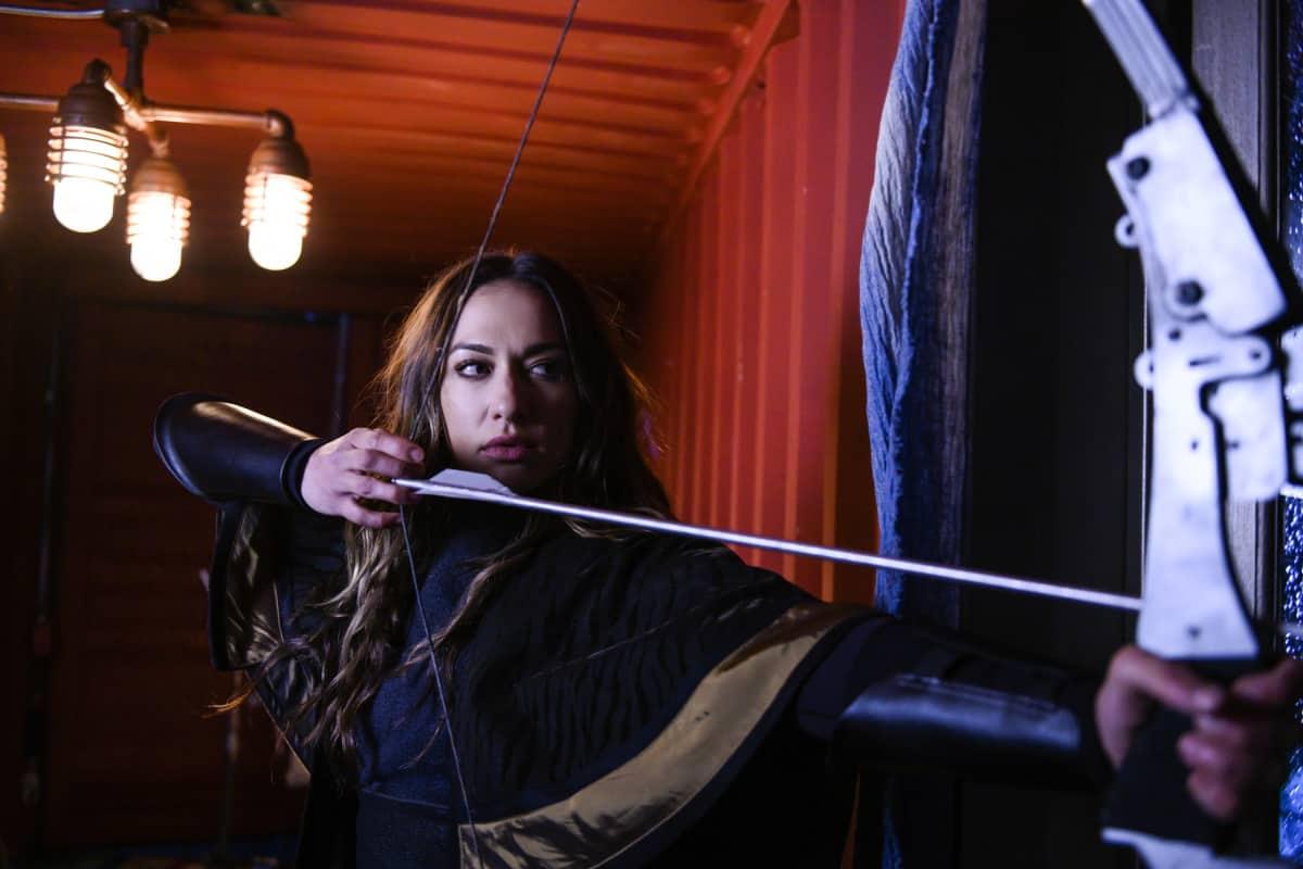 Tasya Teles como Echo en The 100 Temporada 6 Capitulo 10