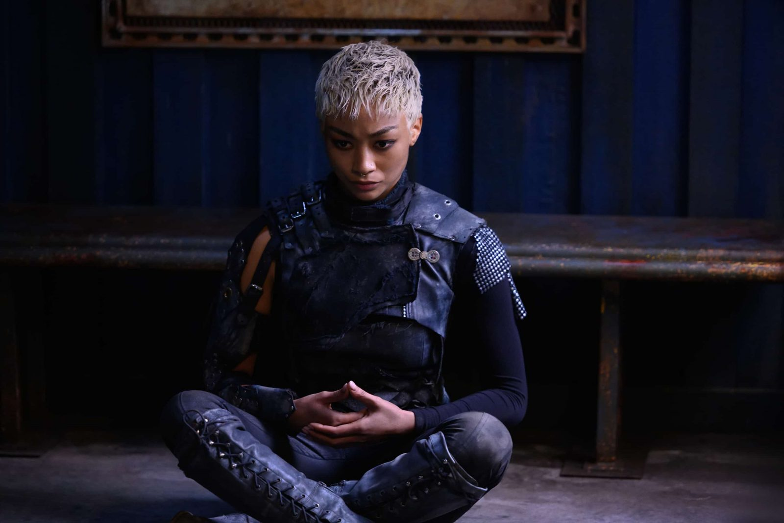 Tati Gabrielle como Gaia en The 100 Temporada 6 Episodio 11