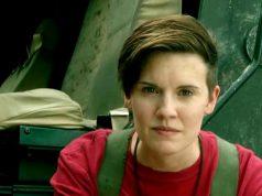 Maggie Grace como Althea en Fear The Walking Dead 5x15