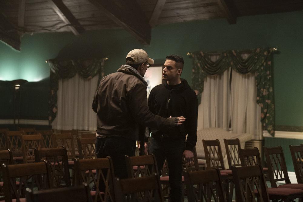 Christian Slater como Mr. Robot, Rami Malek como Elliot Alderson en Mr. Robot 4x02