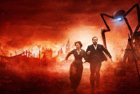 Eleanor Tomlinson y Rafe Spall, los protagonistas de la miniserie The War of the Worlds (La Guerra de los Mundos) de BBC.