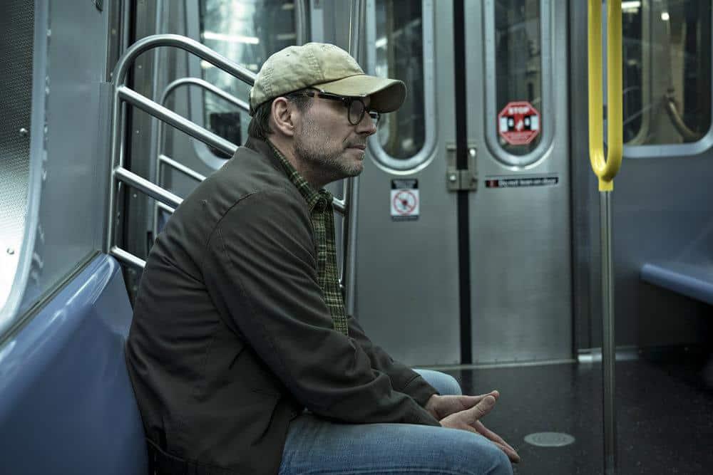 Christian Slater como Mr. Robot en el episodio 4x13 Series Finale Parte 2