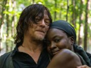 Norman Reedus (Daryl Dixon) y Danai-Gurira (Michonne) en el set de The Walking Dead 10x13
