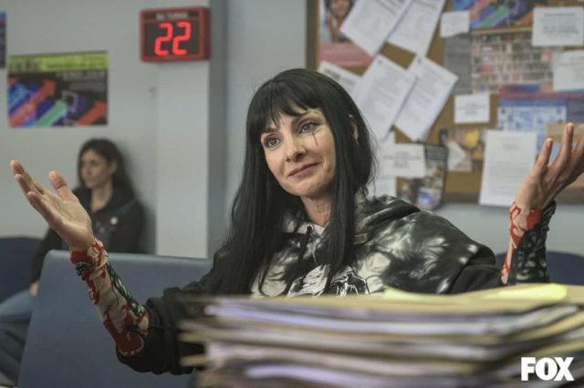 Zulema (Najwa Nimri) en el episodio 3 de Vis a Vis: El Oasis