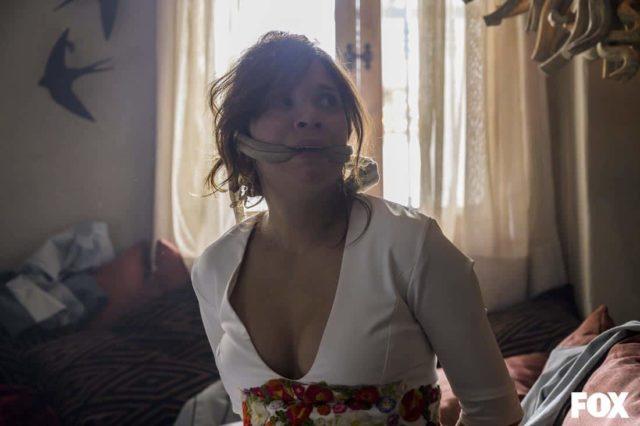 La novia en en Vis a Vis El Oasis 5x03