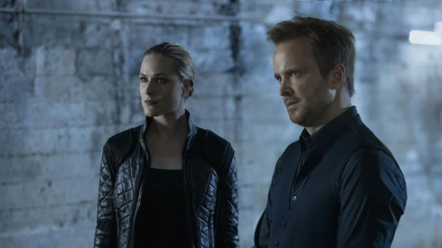 Dolores (Evan Rachel Wood) y Caleb (Aaron Paul) en Westworld 3x05