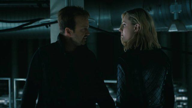 Aaron Paul como Caleb y Evan Rachel Wood como Dolores en Westworld 3x07