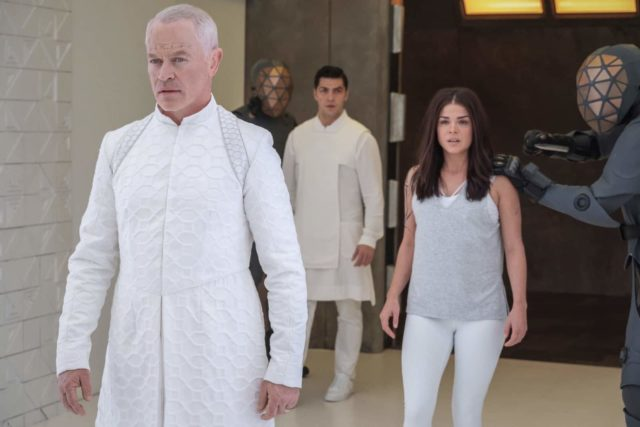 The 100 7x05 - Neal McDonough como Anders, Jason Diaz como Levitt y Marie Avgeropoulos como Octavia