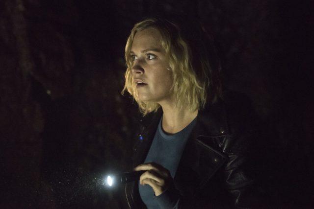 Eliza Taylor como Clarke en The 100 7x06 Temporada 7 Episodio 6 Nakara