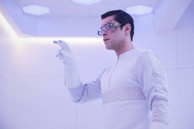 Jason Diaz como Levitt en The 100 7x11 Etherea