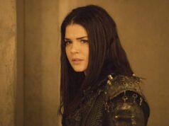 Marie Avgeropoulos como Octavia en The 100 7x14