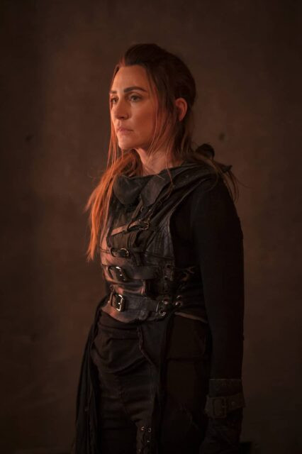 Jessica Harmon como Niylah