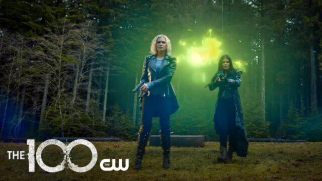 Clarke (Eliza Taylor) y Octavia (Marie Avgeropoulos) en The 100 7x15