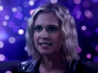 Eliza Taylor como Clarke en The 100 7x16 The Last War (Final de la serie)