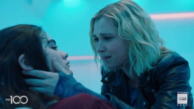 Madi y Clarke en The 100 S07E16 The Last War (Series Finale)