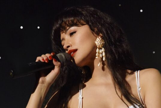 Christian Serratos como Selena Quintanilla (Netflix 2020)