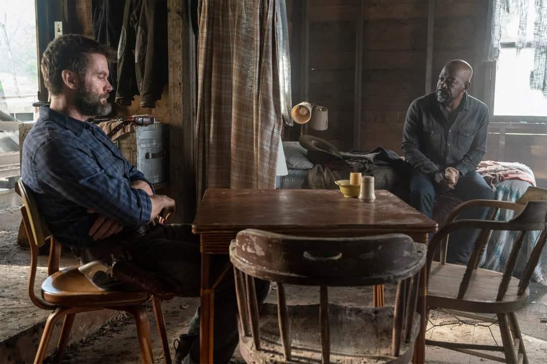 Garret Dillahunt como John Dorie y Lennie James como Morgan Jones en Fear The Walking Dead 6x08